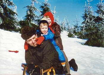 Picture of three Grewes in the snow