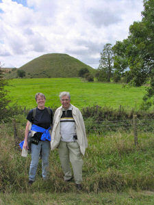Picture of Bodo and Jutta Grewe in front of Silbury Hill