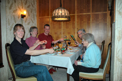 Picture of the Grewe family at the dinner table