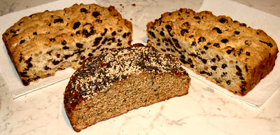 Picture of soda bread and Bremer Klaben