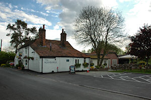 Picture of a country pub, the Rowbarge